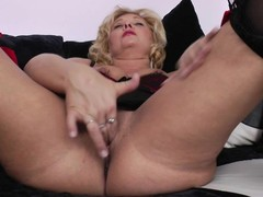 Sexually excited golden-haired mature bitch grinding on put emphasize bed