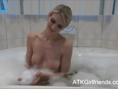 Amanda Tate has a washroom now lets u cum on will not hear of love bubbles