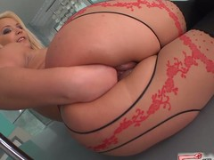 Sexy blond lana dildos and fists her constricted fur pie